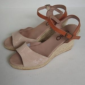 Anthropologie CHIO wedge sandals EUC size 38